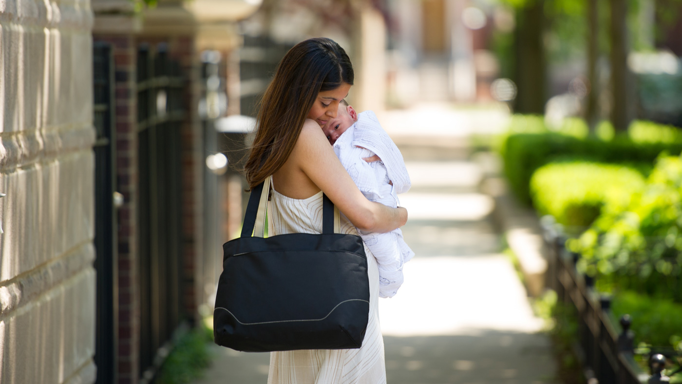 Travel with your breast pump: Expressing on the go